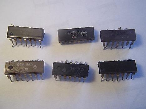 Микросхемы серий К155 и К176.